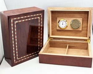 Walnut and Strip Inlay Humidor 30ct.